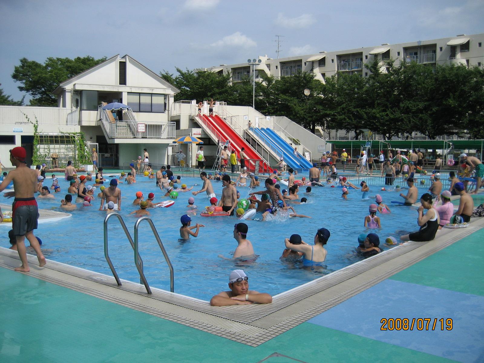 幼女 プールの画像